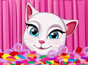 game Talking Angela Fashion Makeover